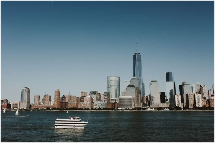 Smooth Sailing Celebrations yacht sailing past the NYC skyline