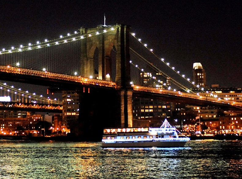 Host your fundraiser aboard a Smooth Sailing Celebrations luxury yacht NYC NJ