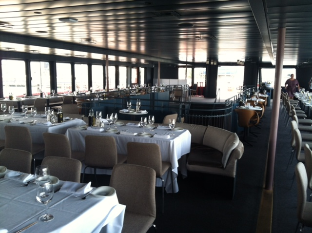 Dine and Sail with Smooth Sailing Celebrations Luxury Private Yachts in NYC
